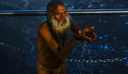 Hindistan'da akılalmaz görüntüler