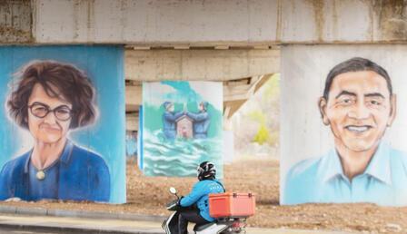Sağlıkçılara grafitili teşekkür