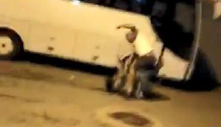 Antalya'da sitede dehşet! Köpek besleyen aileye silah ve palalı saldırı