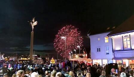 Son dakika... Norveç'te Kovid-19 önlemleri kaldırıldı: Halk kısıtlamaların bitişini böyle kutladı!