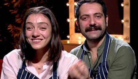 Merve Dizdar ile eski eşi Gürhan Altundaşar, Kadıköy'de bir araya geldi!