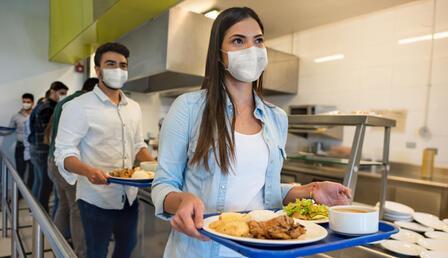 Üniversitelinin yemek faturası