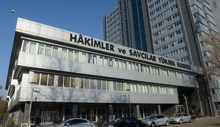 HSK'da sürpriz istifa