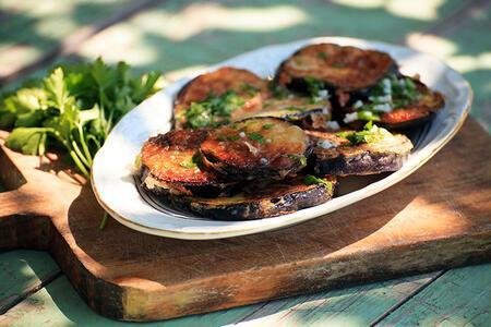 Patlıcanların mevsimi geçmeden mutlaka denemeniz gereken nefis yemek tarifleri
