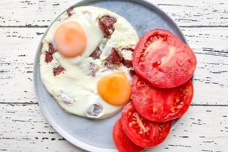 Hafta sonu kahvaltılarını şölene dönüştürecek yumurta tarifleri