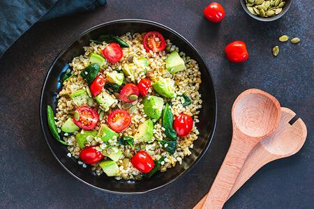 Doyurucu Bir Salata Nasıl Hazırlanır?