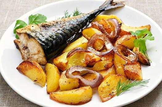 Fırında patatesli ve tereyağlı alabalık tarifi