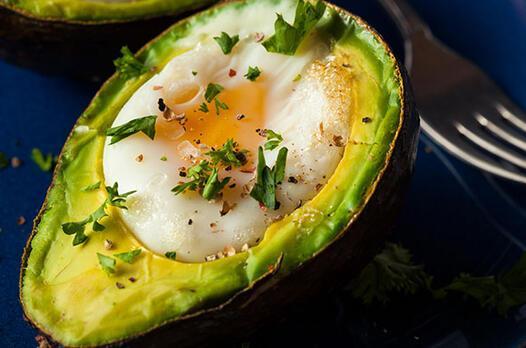 Avokado içinde yumurta tarifi