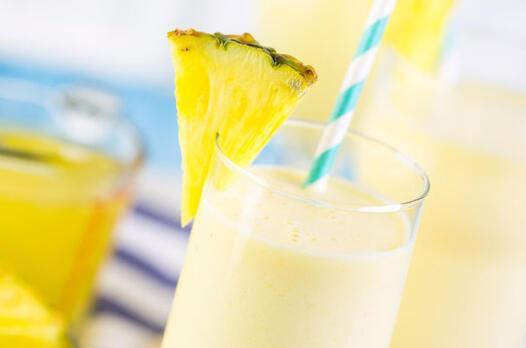 Ananaslı ve chia'lı smoothie tarifi