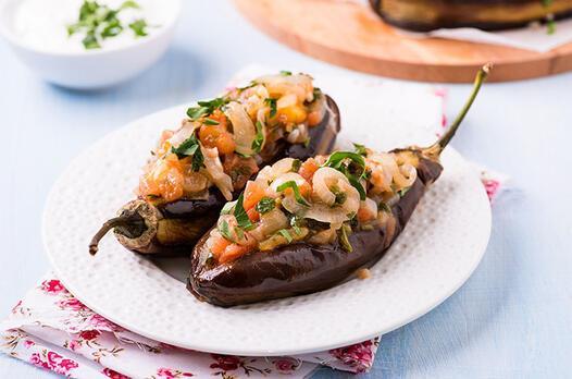 Karatay usulü zeytinyağlı patlıcan tarifi