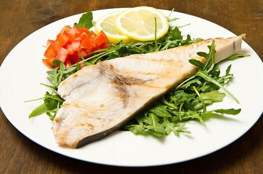 Limon ve zencefil aromalı kılıç balığı tarifi