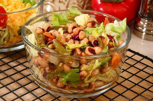 Karnıkara salatası tarifi