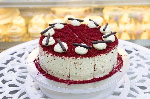 Kırmızı kadife pasta (Kadife tatlısı) tarifi