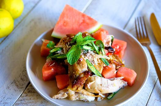 Tavuklu karpuz salatası tarifi