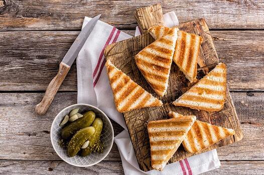 Kavurmalı tost tarifi