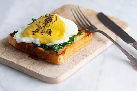 Ispanaklı Eggs Benedict tarifi