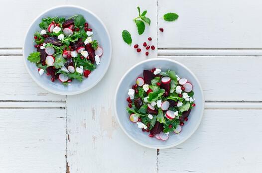 Turplu yeşil salata tarifi