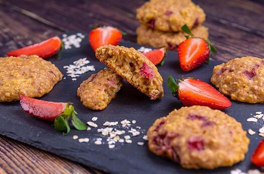 Çikolatalı çilekli kurabiye tarifi
