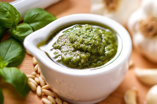 Pesto sosu tarifi