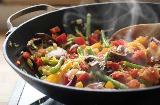 Mutlaka siz de yapıyorsunuzdur… Sebzeleri pişirirken bunlara dikkat!