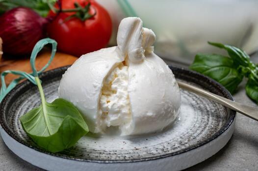 Burrata nedir, nasıl yapılır? Burrata peyniri yapımı