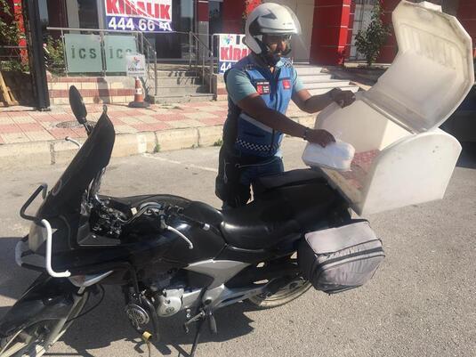 Motosikletli kuryelere 'Büyük kutu' cezası