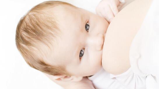 Anne sütünün artması için çok yemek değil sağlıklı beslenmek önemli