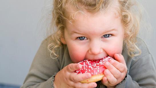 Ebeveyndeki obezite çocuklardaki riski artırıyor