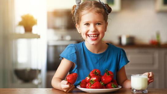 Hepsi birbirinden faydalı! Çocukların beslenmesinde bu meyvelere de yer verilmeli