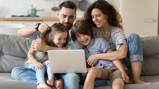 Evde sıkılan çocuklar için eğlenceli sanal aktiviteler