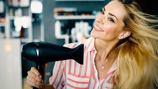 Saçınızı Nasıl Daha Hızlı Kurutursunuz?