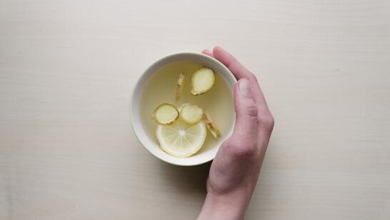 Mideyi Yatıştıran Zencefil Çayı Nasıl Yapılır?