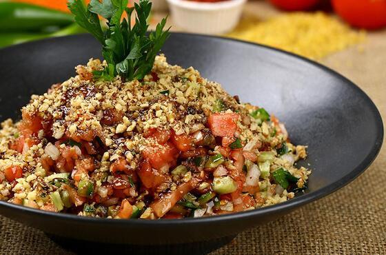 Kebap ve et yemeklerinin olmazsa olmazı: Gavurdağ salatası