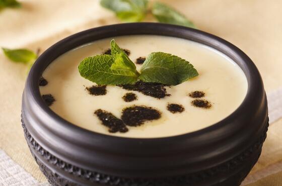 Akşam yemeğine farklı lezzet arayanlara: Helle çorbası