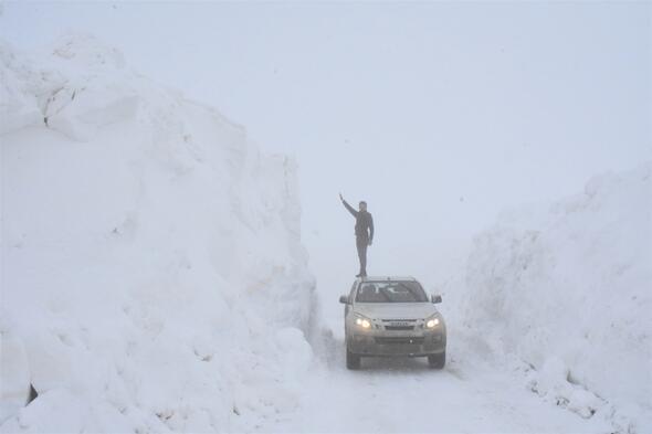 Kato Dağında 7 metre karda vatan nöbeti