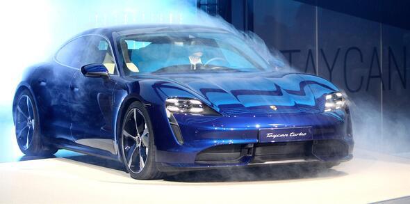 Dev fuara sayılı günler kaldı İşte yeni otomobillerin ilk görüntüleri