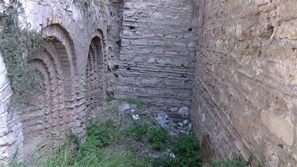 Yer: İstanbul 900 yıllık tarihi sarnıç kaderine terk edildi