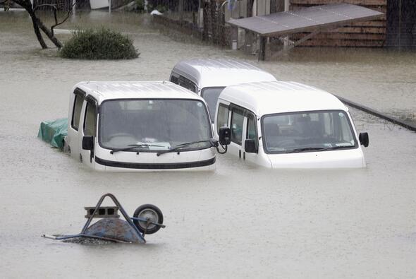Japonya'da süper tayfun Hagibis alarmı
