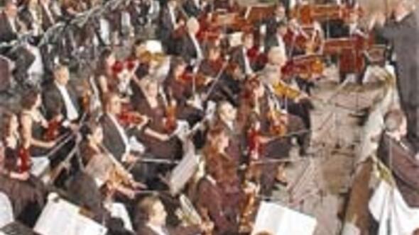 CSO bu ay müzik ziyafeti çekecek