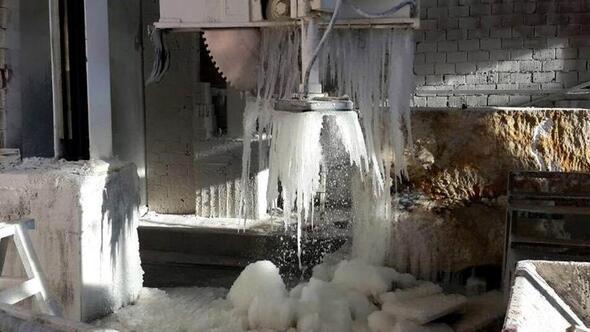 Mermer kesme makinalarındaki su donunca üretime ara verildi