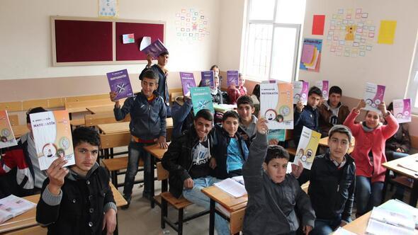 Sasondaki öğrencilere kitap yardımı