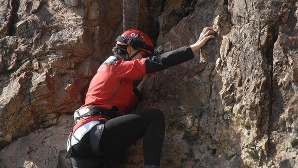 Kayaların Üzerinde Kadınlar Günü Mesajı