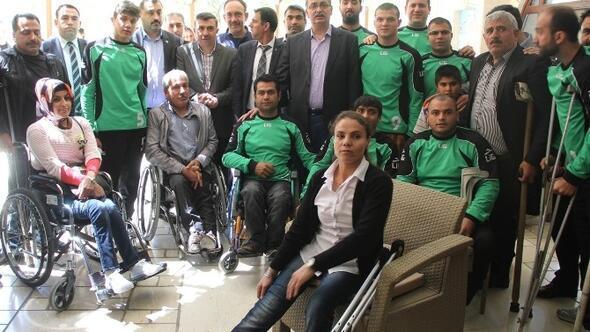 Engelli Sporcular Başkan Güvenç'i Ziyaret Etti