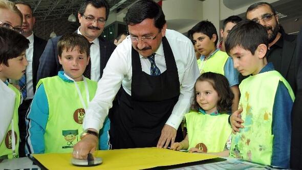Keçiören Belediye Başkanı AK Çocuklarla Birlikte Baskı Resim Yaptı
