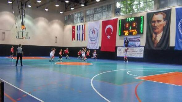Lüleburgaz Spor Salonu'nda faaliyetler durduruldu