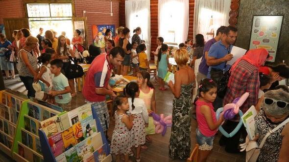 Mezitli'de 'Kitap Okuyan Çocuklar Oyun Kitaplığı' Hizmete Girde