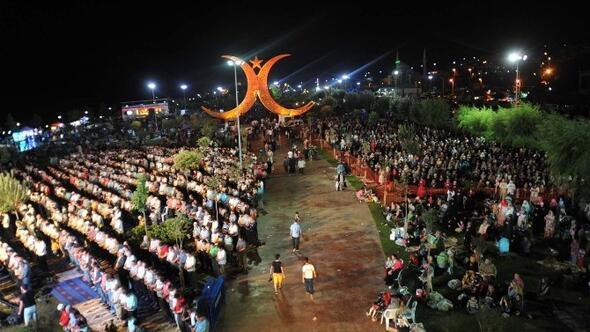 Darıca Kadir Gecesi, Binlerce İnsanı Bir Araya Getirdi