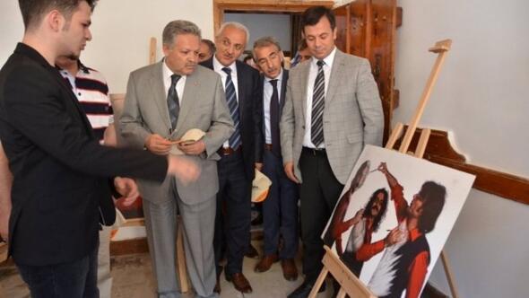 Kemaliye'de Fotoğraf Sanatçısı Utku Demirsoy Şenliği