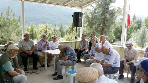 Başiskele'de Dualar Deprem Şehitleri İçin