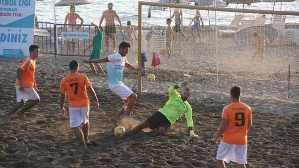 Gümüldür'de Plaj Futbol Şöleni